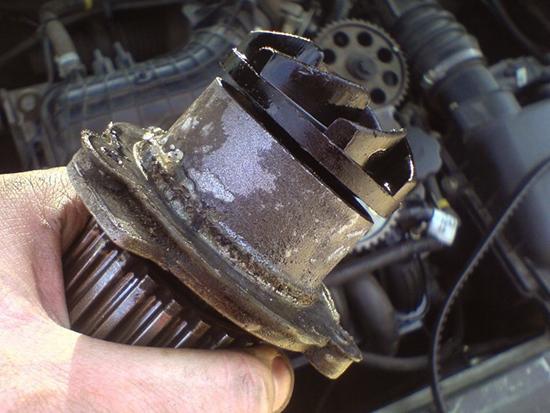 Низкий уровень ОЖ может привести к перегреву мотора