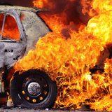 Сгорела машина. Что делать и как действовать в такой ситуации?
